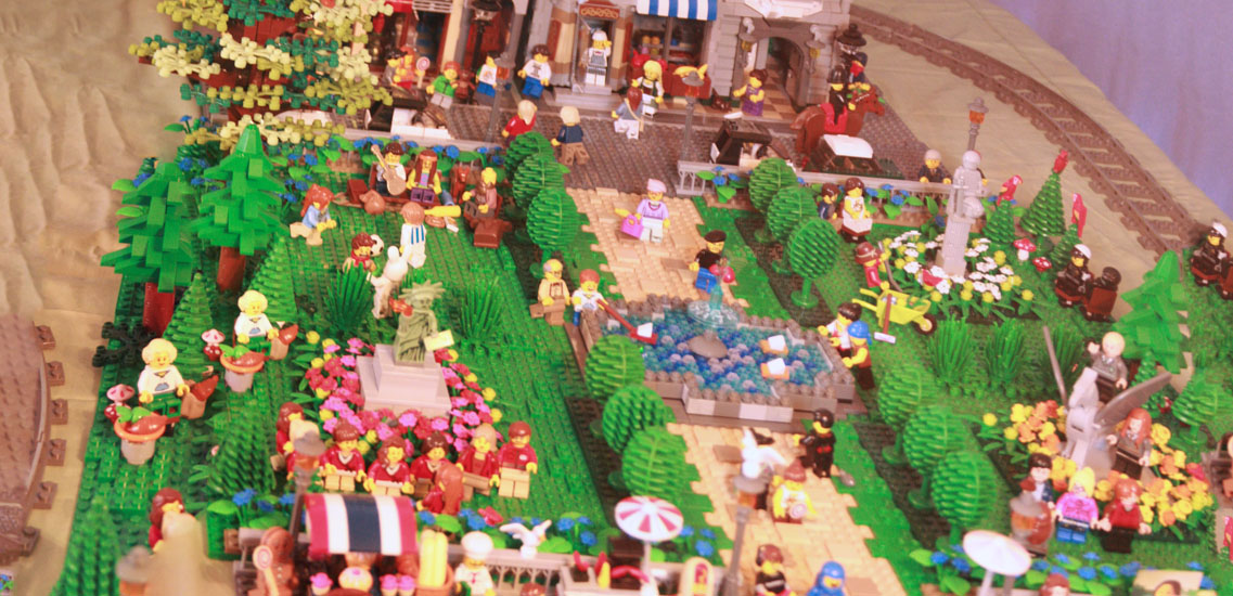 A panorama of the esplanade showed a flurry of activity in all quarters.