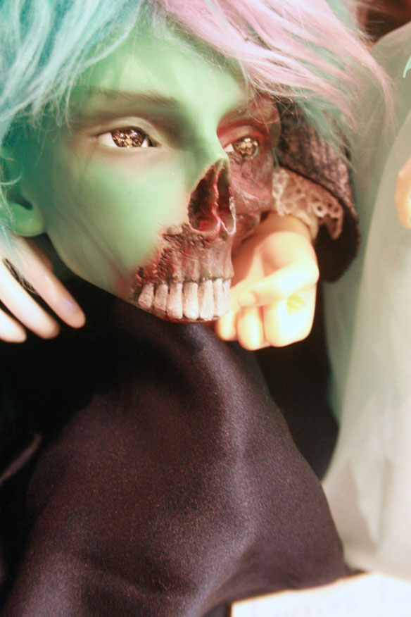 The Corpse Collector: a god of death, avid researcher of life. He is the groom to Vladimir and the son of the goddess of creation. The Corpse Collector is an Angell-Studio Baron Samedi looking for a body! Owned by Sarah.